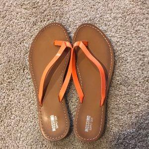 Mossimo Flip Flops NWOT Size 7